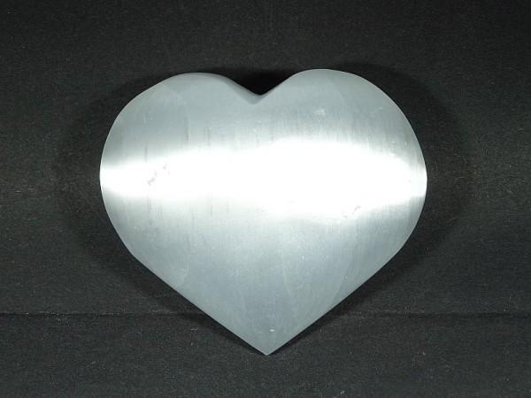 Selenit Kamień księżycowy Serce 70 x 60 mm.
