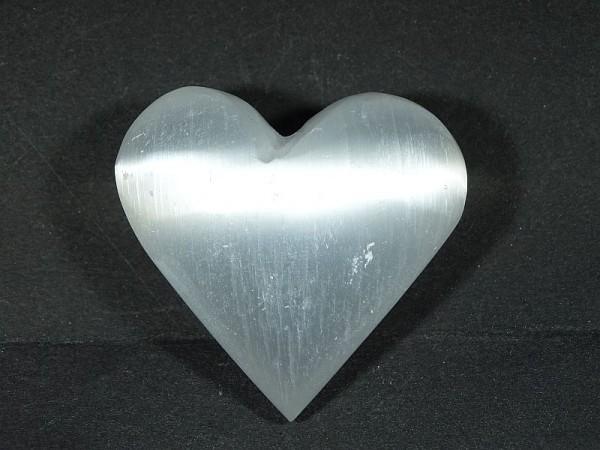 Selenit Kamień księżycowy Serce 40 x 35 mm.